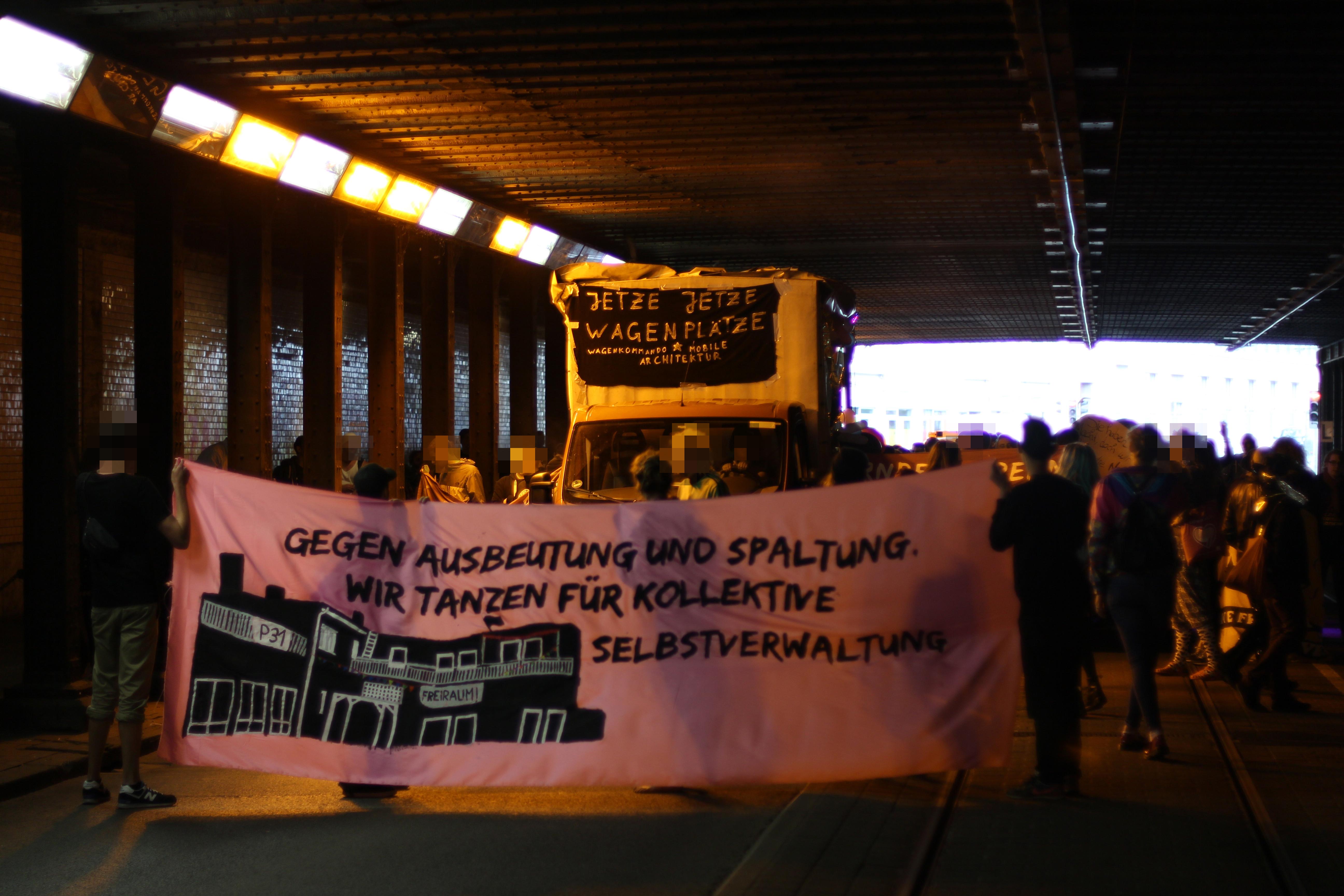 """NAchttanzdemonstration \""""Nürnberg brennt, Wir tanzen!\"""""""
